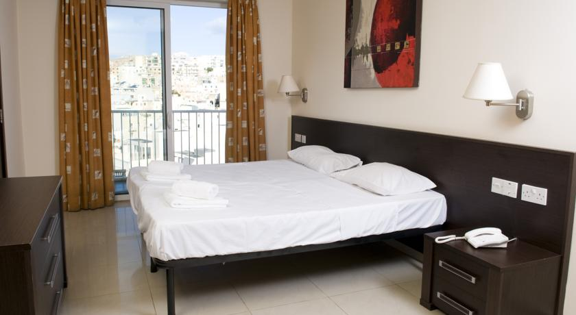 ST BLUBAY HOTEL & APARTMENTS